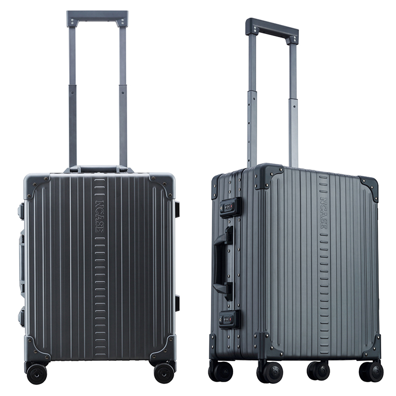 C2255 22-inch Classic Carry-on Charcoal