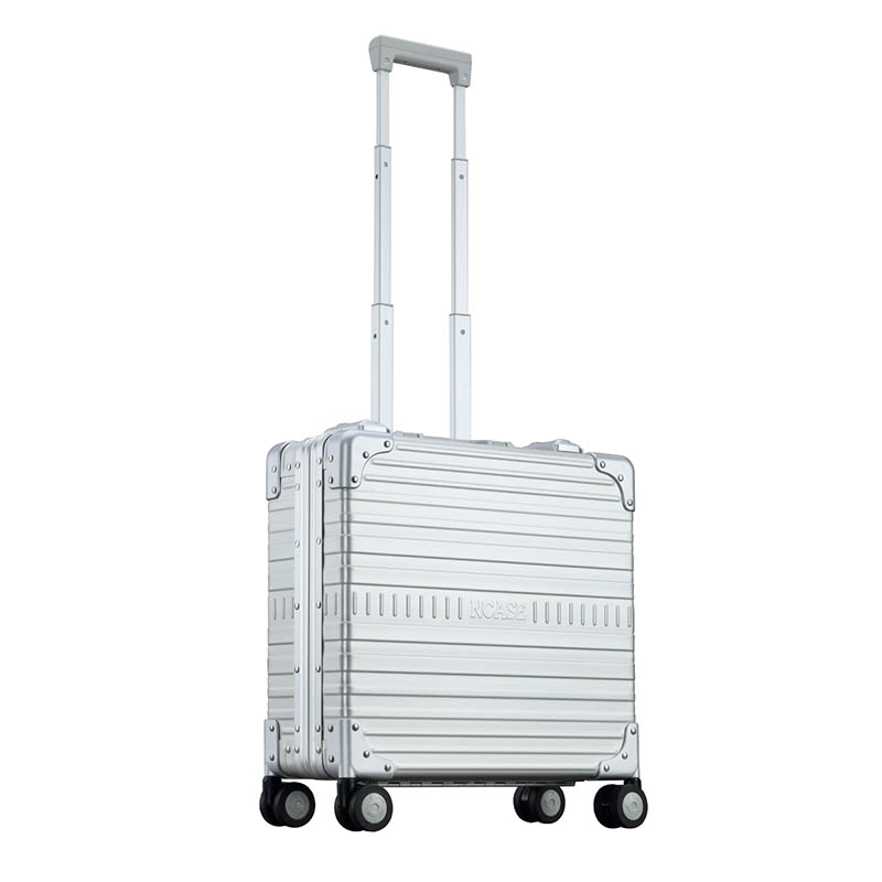 17-inch Classic Wheeled Briefcase Silver